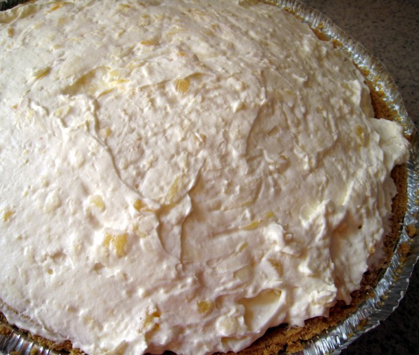how to make pineapple cream cheese pie